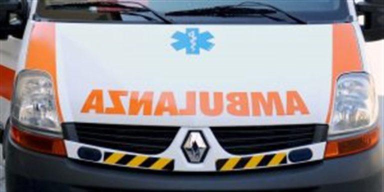 Salerno, incidente tra un auto e uno scooter sul lungomare Tafuri