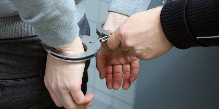 Battipaglia, 37enne arrestato per maltrattamenti in famiglia
