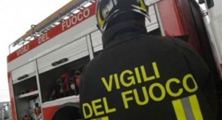 San Cipriano Picentino, tetto di un bar prende fuoco a Filetta