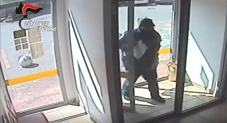 Giffoni Valle Piana, rapina alla Posta: custodia domiciliare per 3 persone