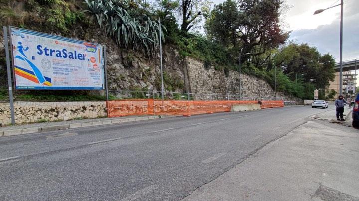 Salerno, riapertura al traffico di via Moscato dopo la frana di domenica sera