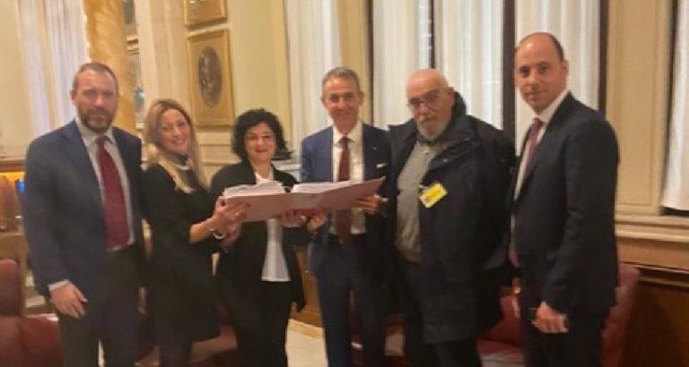 Coordinamento Comitati Valle del Sele e Ministro Costa insieme per la questione rifiuti
