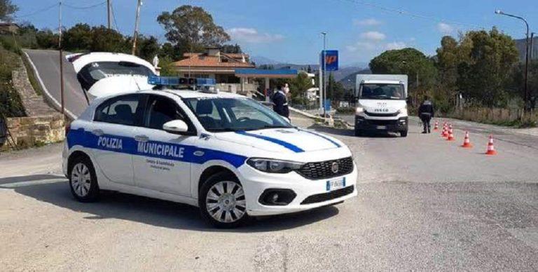 Scafati, denunciato per guida senza patente: era intestatario di 148 veicoli