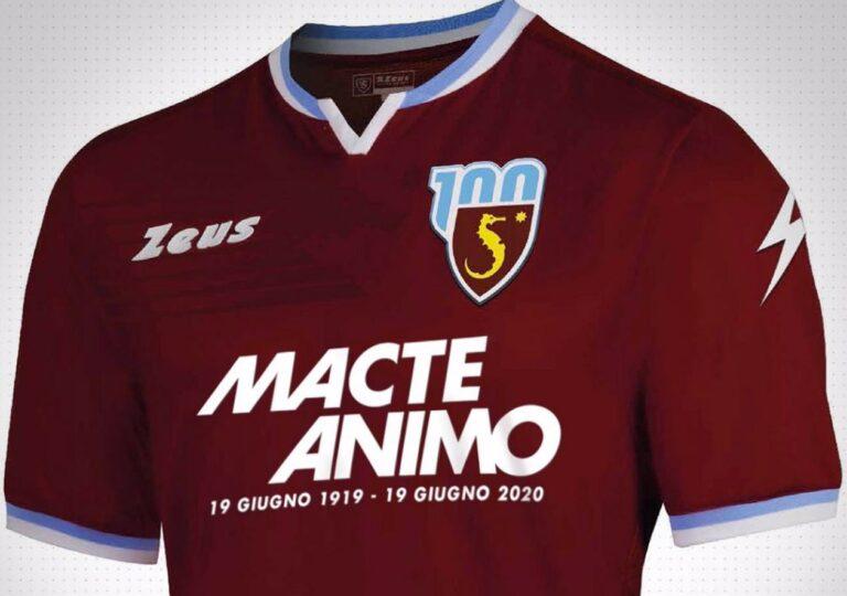 #Salernitana101: i granata tornano in campo con una maglia celebrativa