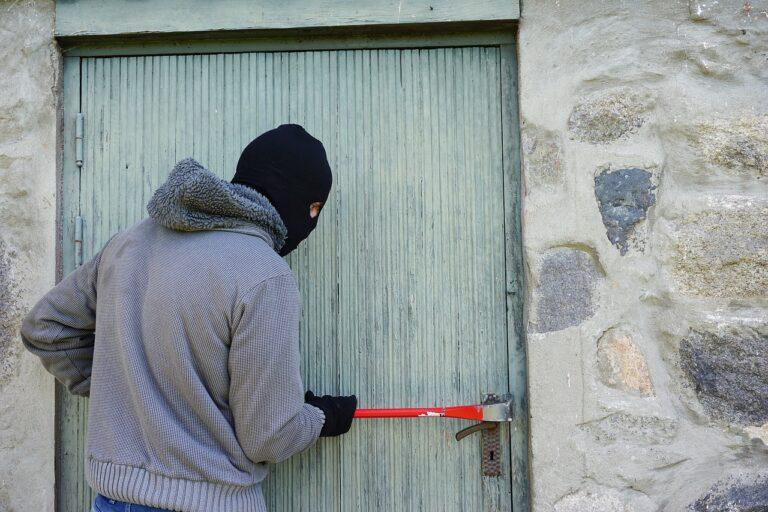 Siano, numerosi furti nella notte: il sindaco incontra le forze dell'ordine