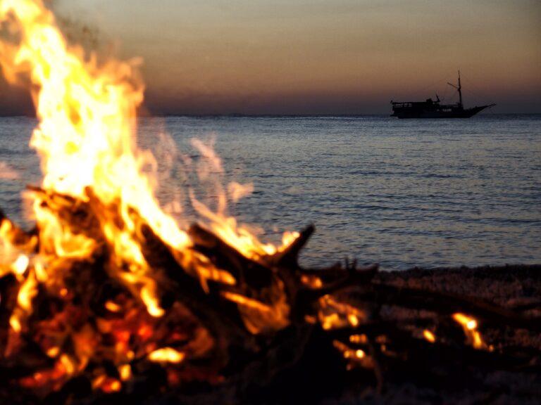 Vietri, vietati falò sulla spiaggia per la notte di San Lorenzo