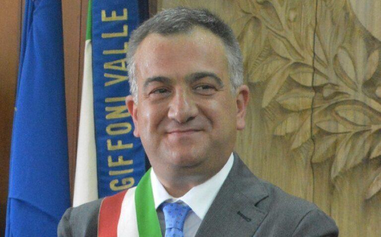 "Giffoni Valle Piana, Sindaco Giuliano: ""Sui bus nessun distanziamento"""
