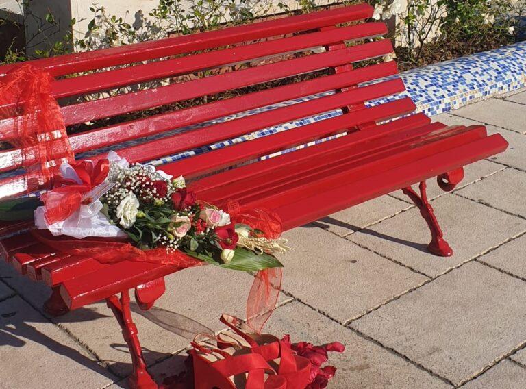 Castel San Giorgio, una panchina rossa contro la violenza sulle donne