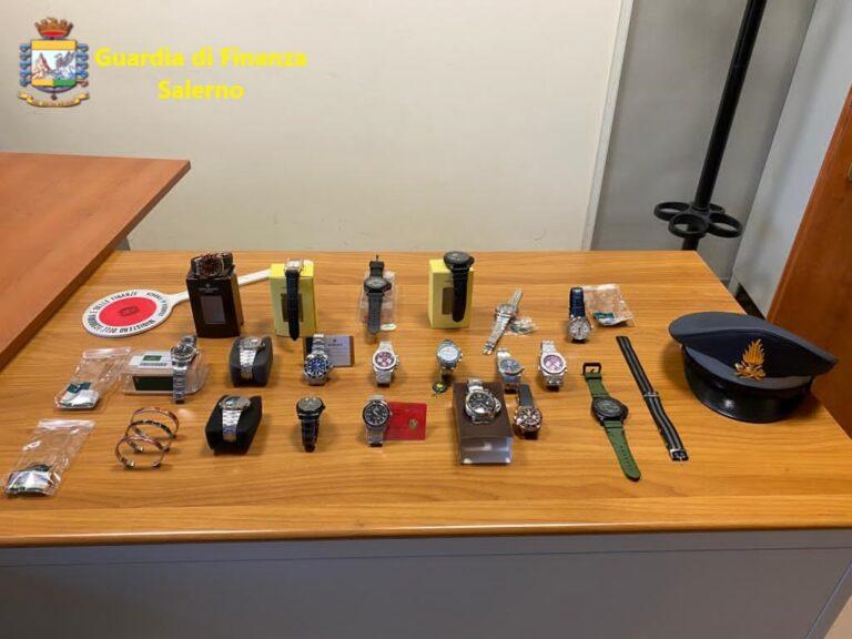 Angri, vende orologi contraffatti: denunciato 68enne di Torre Annunziata