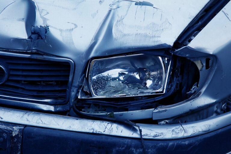 Sala Consilina, incidente tra due auto: ferita una donna
