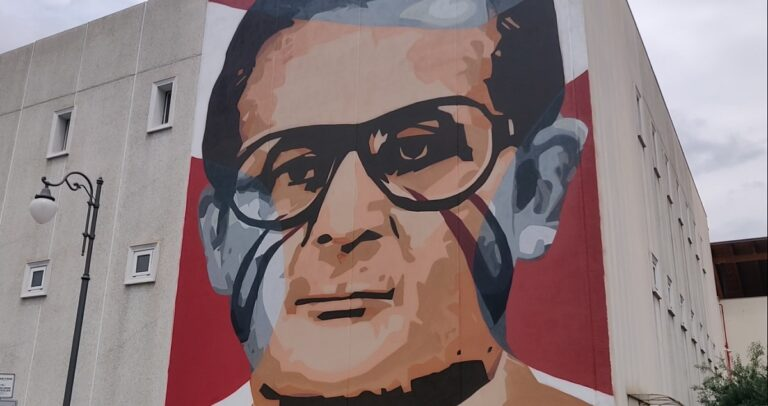 Pagani, l'ex sindaco Marcello Torre ricordato da un murale di Jorit