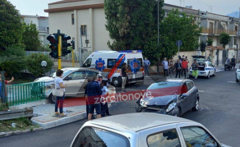 Nocera Superiore, incidente all'incrocio di via Petrosino