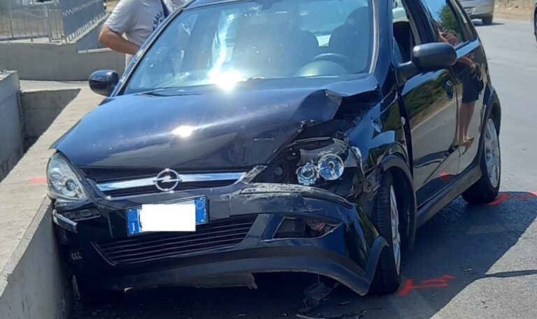 Pontecagnano, incidente sull'Aversana: due feriti
