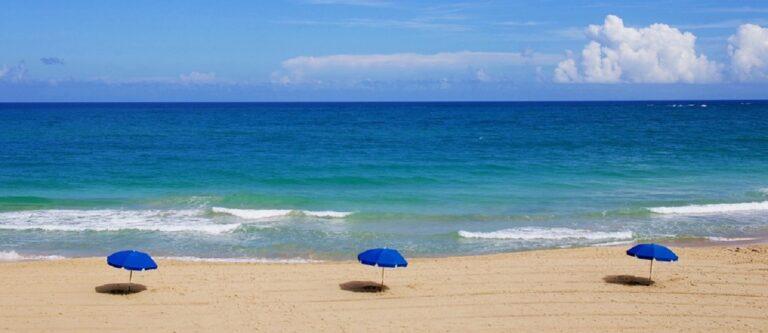 Cilento: Polizia Municipale sequestra ombrelloni sulla spiaggia comunale di Ascea
