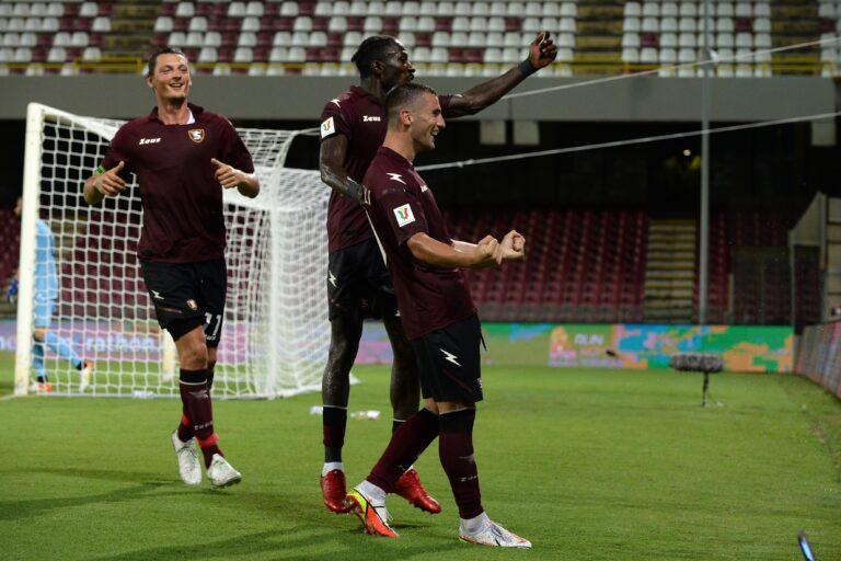 Salernitana, si va in ritiro per preparare la sfida col Genoa