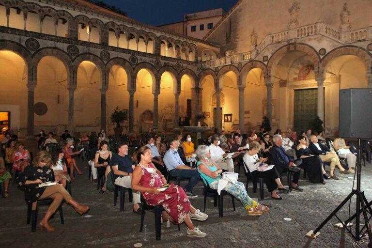 SalerNoir Festival: chiusura con Maurizio De Giovanni