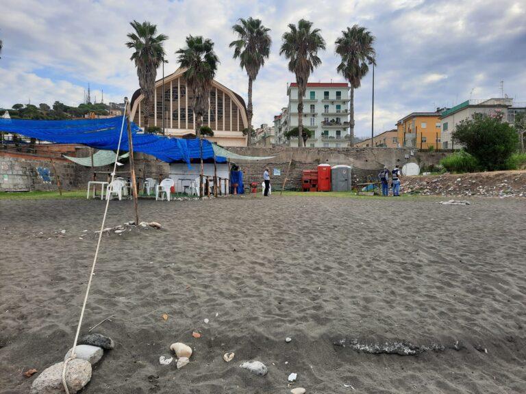 Salerno, la Polizia Municipale sequestra lido abusivo