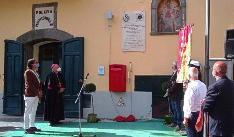 Siano ricorda Mons. Gioacchino Illiano, inaugurata la lapide in suo onore in Piazza Municipio