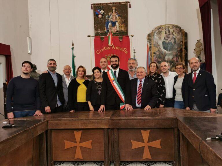 Amalfi, la Giunta vara la riorganizzazione degli uffici comunali